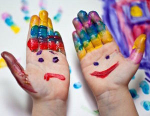 Play therapy with paint